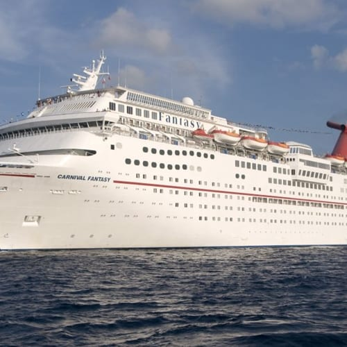 Thousands of passengers aboard Carnival cruise ship stranded in Yucatan Peninsula